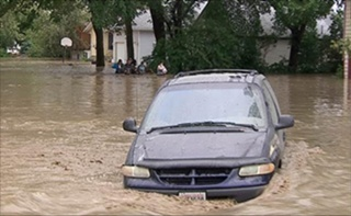 """Discovery's Newest Original Canadian Documentary ALBERTA FLOODS: ROGUE EARTH Revisits Alberta's Deadly """"Flood of Floods"""",  June 17 at 9 p.m. ET"""