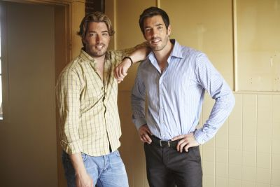 Drew and Jonathan Scott Help Hollywood Superstars Show Renovation Appreciation In New HGTV Canada Series Celebrity IOU